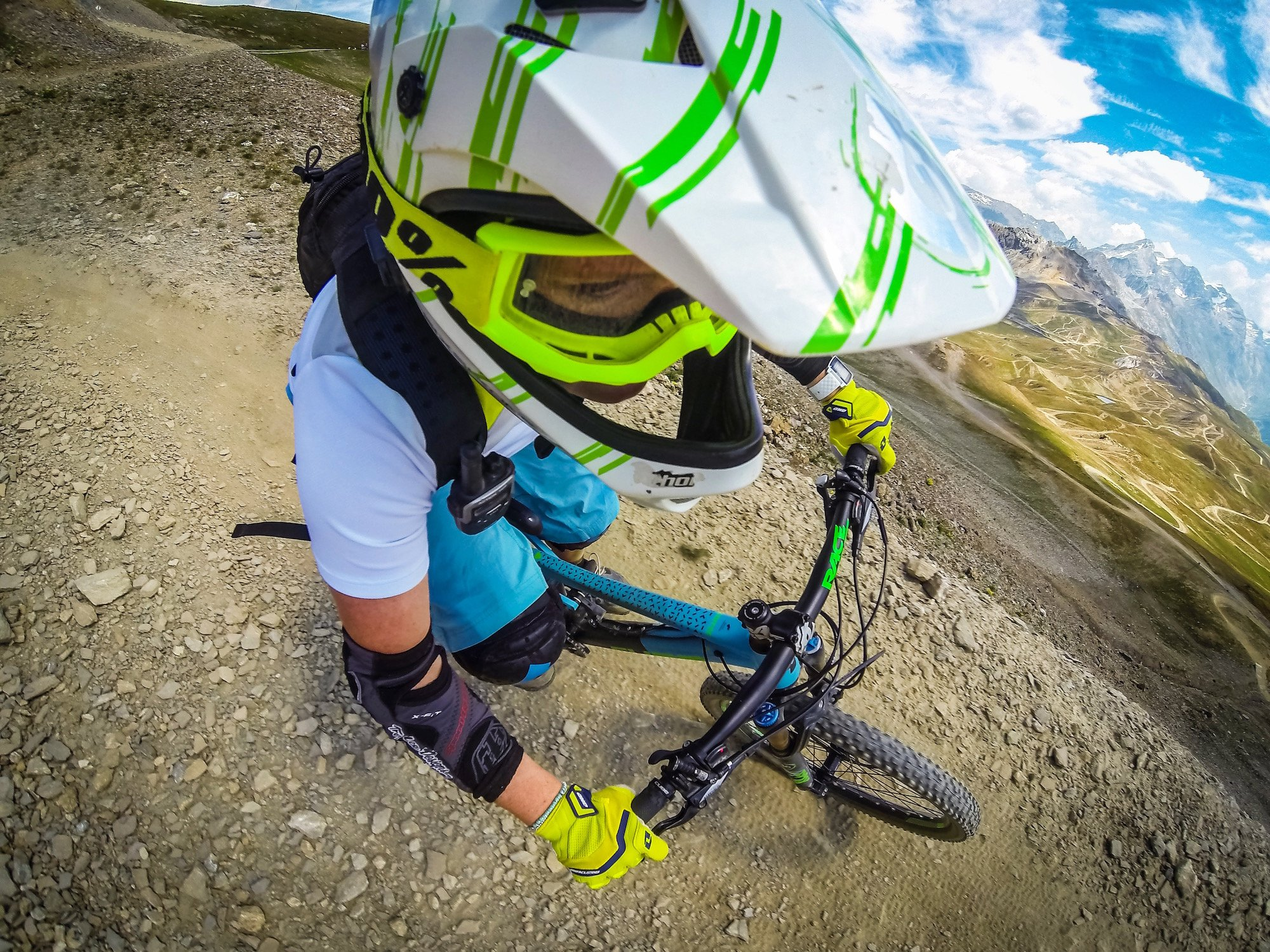 Fiona-Madden-Mountain-biking-gopro-france
